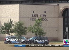Estudiante es apuñalado en la preparatoria East View