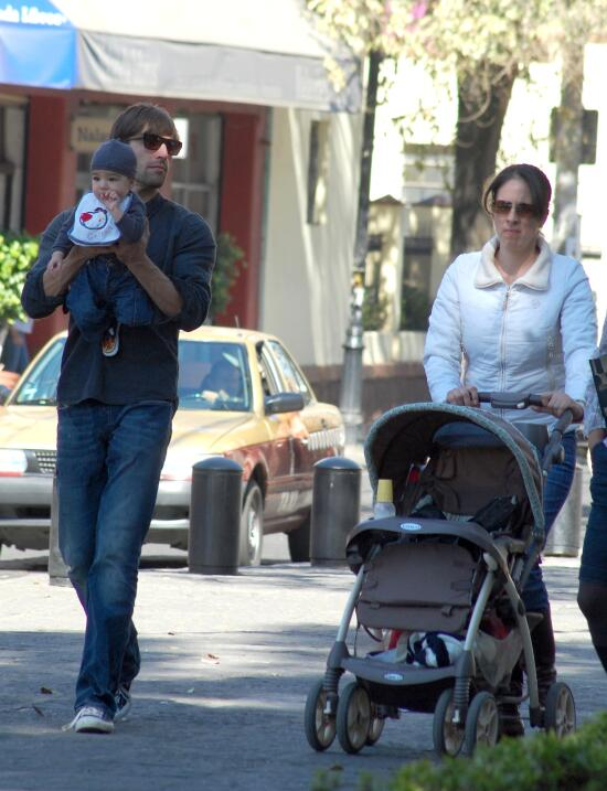 Ellos son los papás y mamás más jóvenes de las telenovelas
