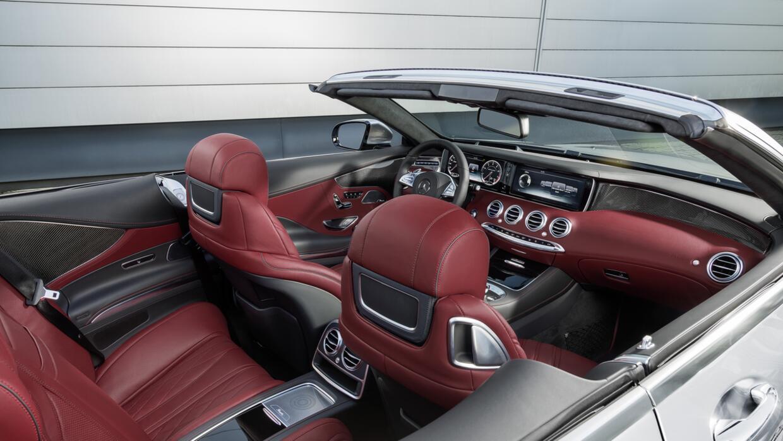 El interior en rojo y su exterior plata recuerdan a los 'flecha de plata'