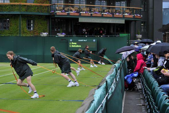 La lluvia ya obligó, en la primera jornada del torneo, a posponer...