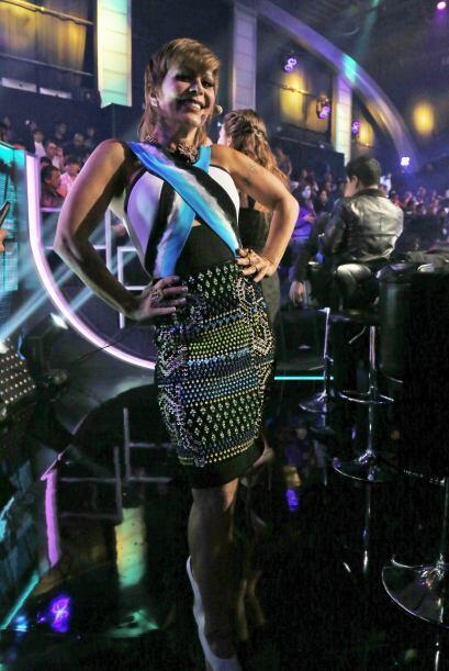 ¡Mira nada más los hermosos detalles de su falda!