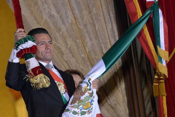 """El presidente de México, Enrique Peña Nieto encabezó el tradicional """"Gri..."""