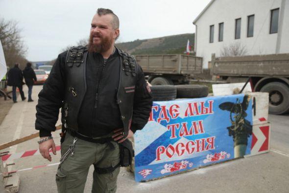 No es de extrañar que dentro de Crimea haya grupos que apoyan la...
