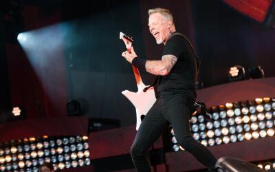 NEW YORK, NY - SEPTEMBER 24: Guitarist James Hetfield of the band Metall...