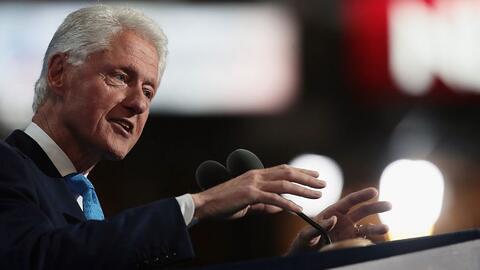 """Bill Clinton: """"Hillary nos hará más fuertes, ustedes lo saben"""""""