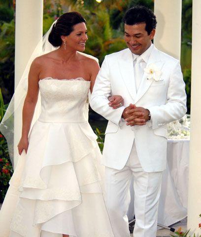 Los espososYa como esposos, Bárbara y Mario se dirigieron al lugar de la...