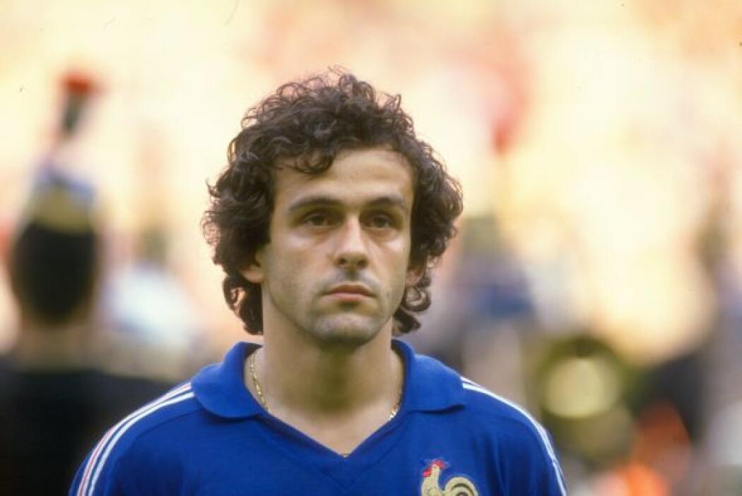Michel Platini es considerado por la FIFA como uno de los mejores jugado...