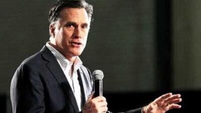 El aspirante a la nominación presidencial republicana, Mitt Romney, ganó...