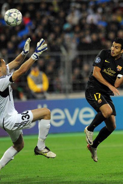 Tras un autogol del BATE, Pedro aumentó la ventaja del Barcelona.