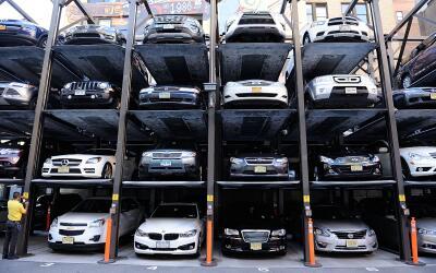 México aprueba regular vehículos usados importados APARCAMIENTO%20NY%201...