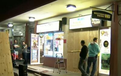 'Miami en un Minuto': aparatoso choque de un vehículo contra una tienda...