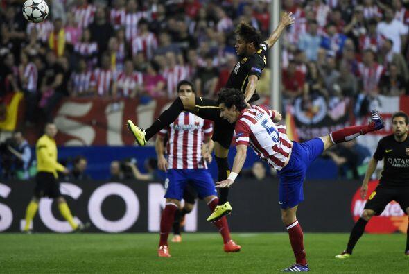 Barcelona se mantuvo con su juego de posesión de la pelota, pero...