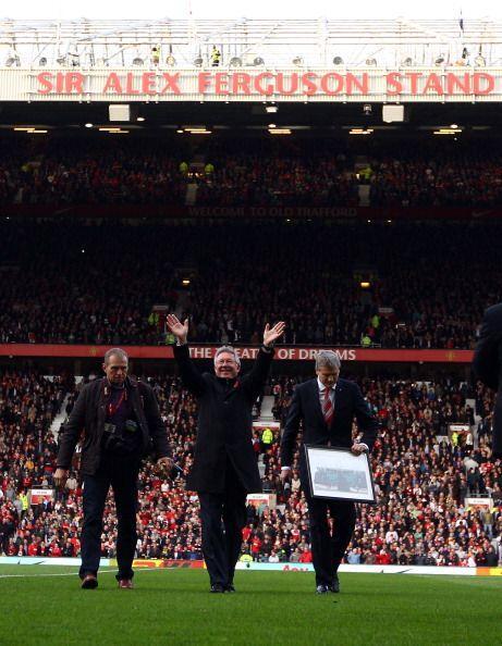 Lo mismo hizo Ferguson, hombre récord en la Liga Premier.