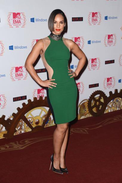 Alicia Keys al parecer está recuperando su fabulosa figura y lo p...