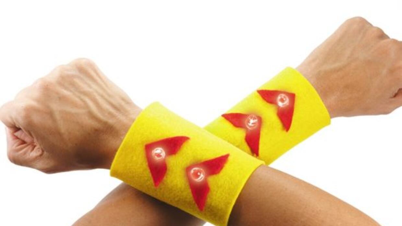 Con tus propios brazaletes de superhéroe con luces de colores y que pued...