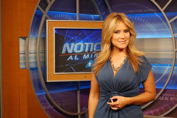 Pero además de ser una destacada periodista, Adriana es una dedic...