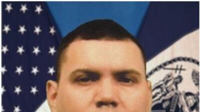 Un agente de NYPDfue declarado muerto como consecuencia de los daños qu...