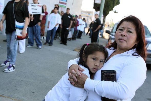 Los blancos no hispanos representaban el 64% de la población estadounide...