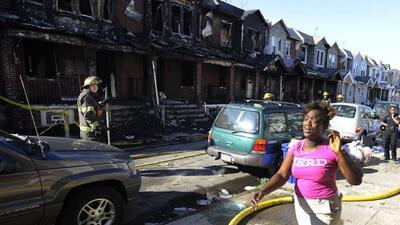 Incendio deja 4 muertos en Filadelfia