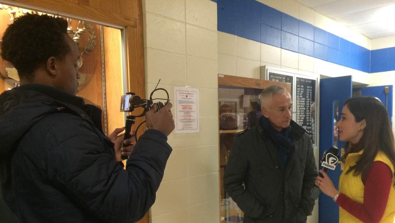 Con Jorge Ramos en la escuela Merrimack, donde se estiman 16,000 votos