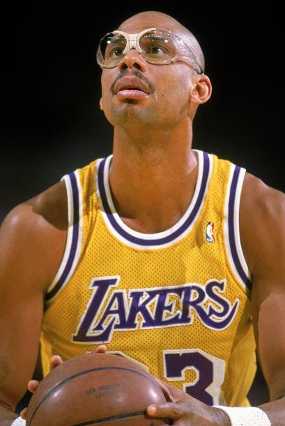 5 Abdul Jabbar: Jugó en la NBA de 1969 a 1989 cuando tenía 42 años de ed...
