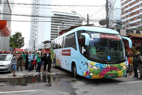 La selección mexicana dejó Recife para volver a su sede en Santos, donde...