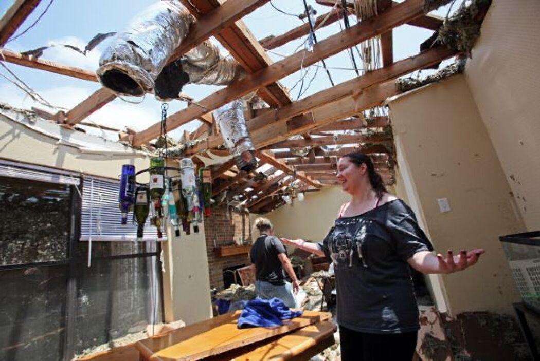 Tras el paso de un tornado en el norte de Texas, el saldo fue de 6 muert...