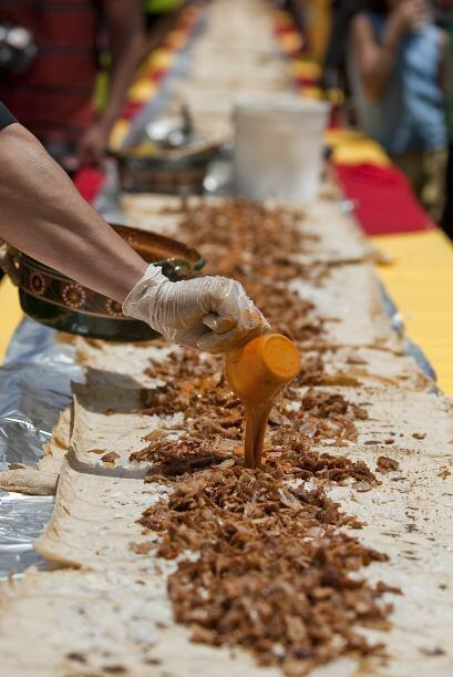 Esto en el marco del Primer Festival del Taco y del Mariachi en la Ciuda...