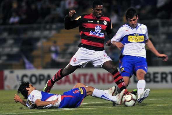 En tanto en Chile, el Flamengo no pudo con la Católica y sucumbi&...