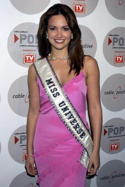 ¡Denise Quiñones es una mujer con finas  facciones y cara angelical! Cut...