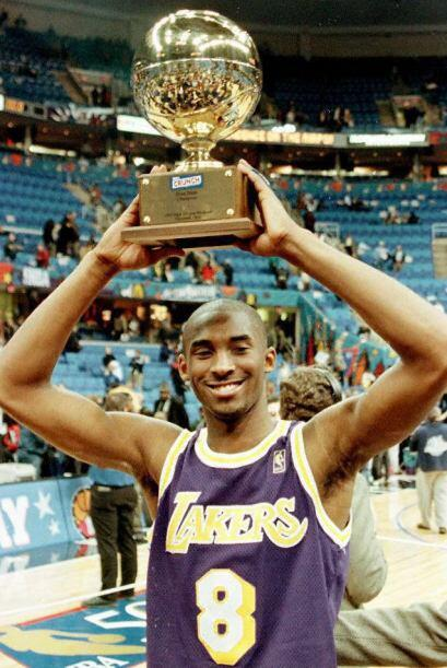 JUGADOR MAS VALIOSO DE LA FINAL - Michael Jordan 6 - Kobe Bryant 2