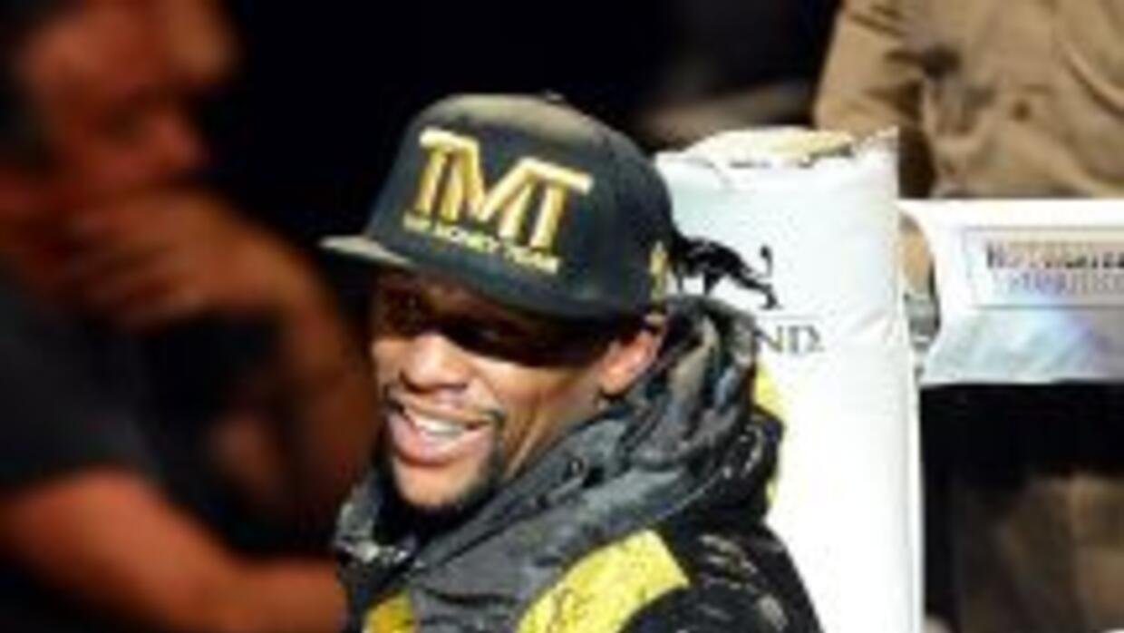 Mayweather Jr. pelear[a con Pacquiao sólo si firma con Mayweather Promot...