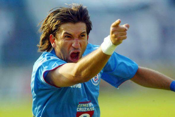 Por esos años el Cruz Azul compraría a Francisco Fonseca quien se ganarí...