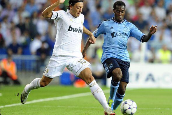 El alemán Mesut Ozil fue la manija de los blancos. Mostró...