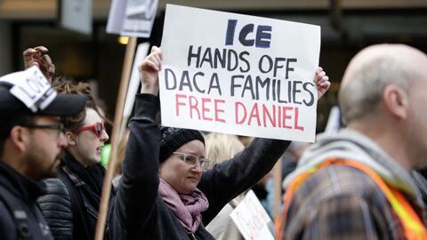 Manifestantes protestan por la detención del dreamer Daniel Ramírez en S...