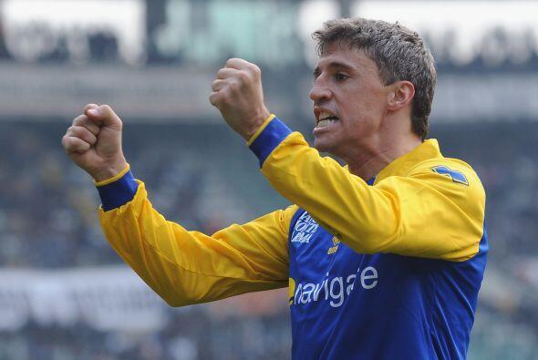 Hernán Crespo, el eterno goleador, hizo otro tanto y al final el...