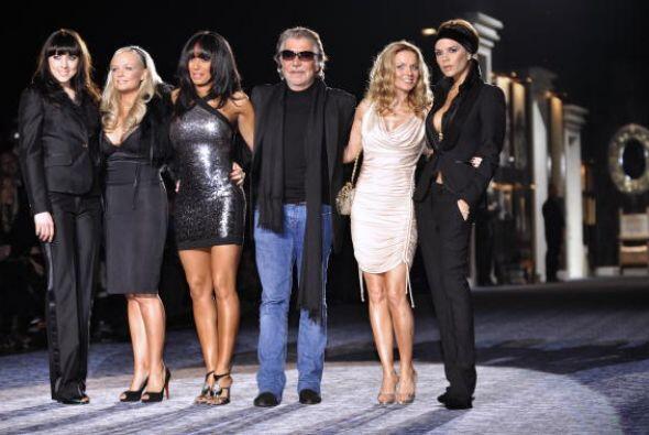 Las Spice Girls también tuvieron la experiencia de subirse al esc...