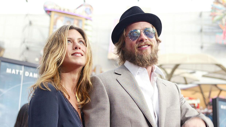 Brad Pitt se reconecta con Jennifer Aniston en medio de su divorcio