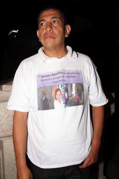 Varios de los manifestantes portaban mensajes o camisetas con imá...