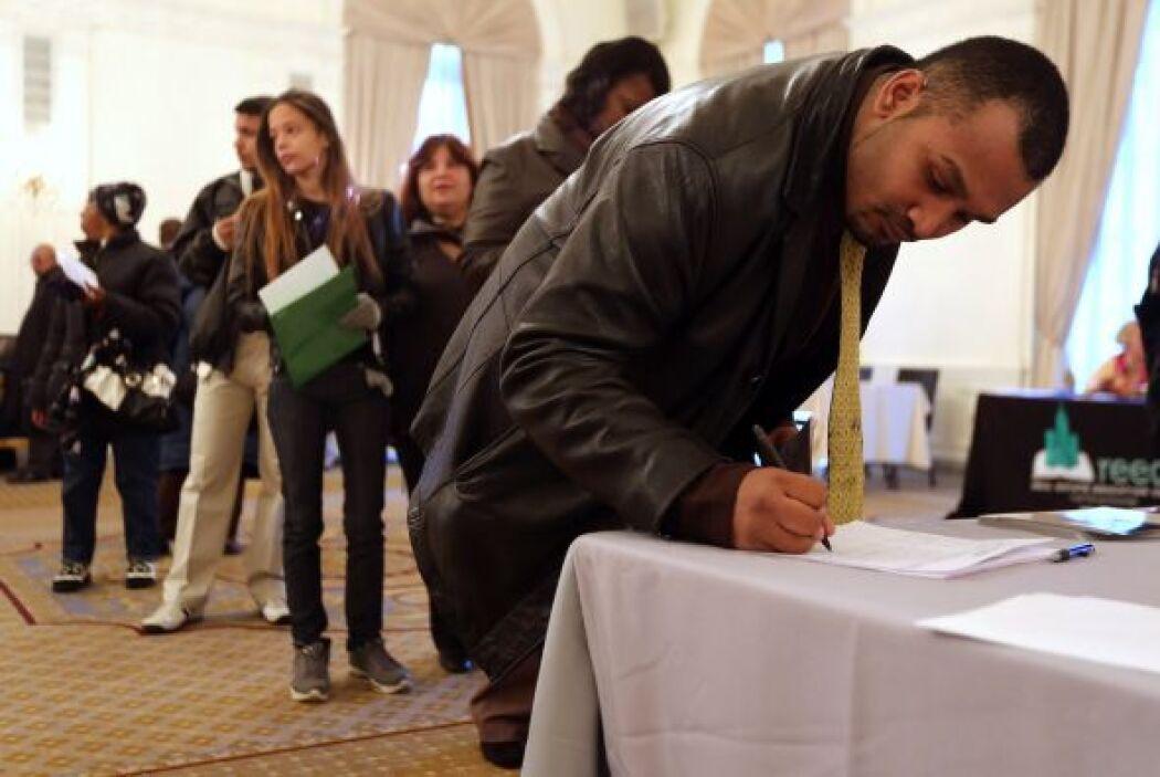 23. DESEMPLEO ENTRE HISPANOS EN EEUU- La tasa de desempleo entre la comu...
