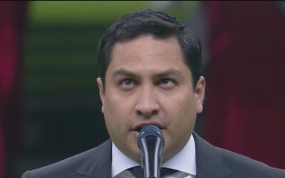 Julión Álvarez fue criticado en redes sociales por cantar el Himno Nacio...