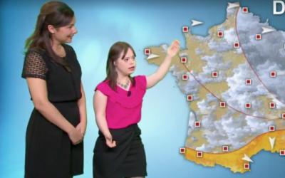 Mélanie Ségard presentando el tiempo en la televisi&oacute...
