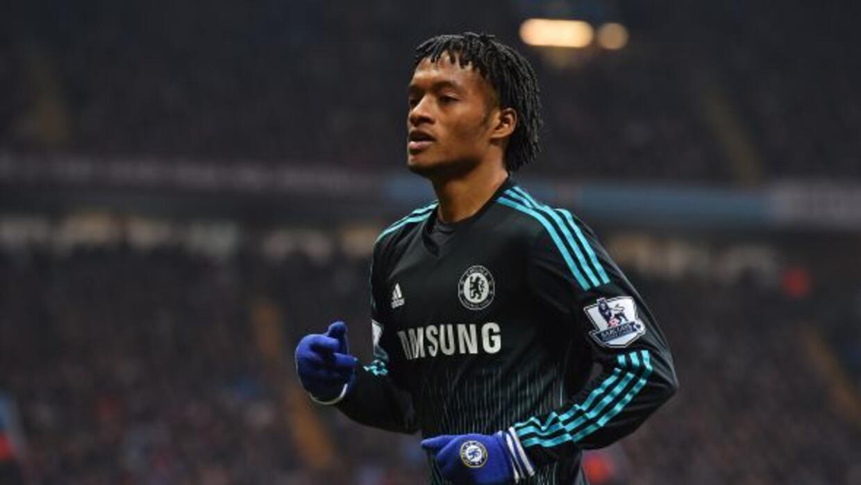 El colombiano hizo su presentación con el Chelsea ante el Aston Villa.