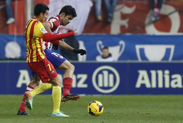 Diego Costa fue una pesadilla para la defensa del Barcelona.
