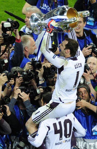 Peter Cech figura fundamental para el triunfo del Chelsea, por el penalt...
