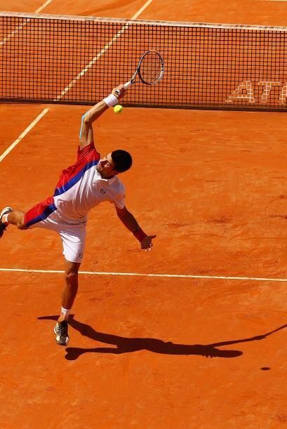 A Djokovic se le vio de nuevo desquiciado y rompió por segunda vez en es...