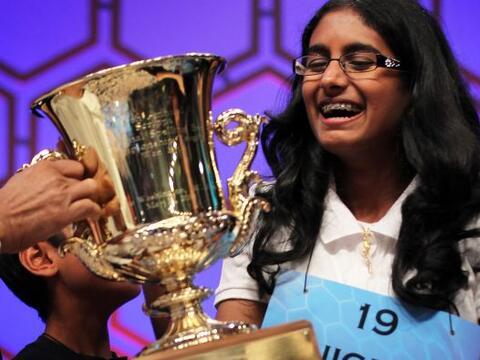 Snigdha Nandipati, una niña de 14 años de edad, de San Die...