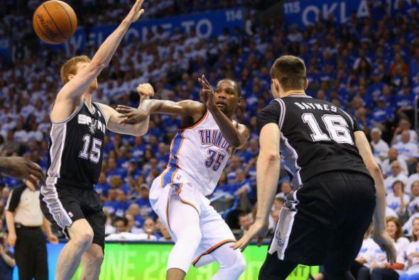 Oklahoma dominó la mayor parte del juego. Al medio tiempo el Thunder gan...
