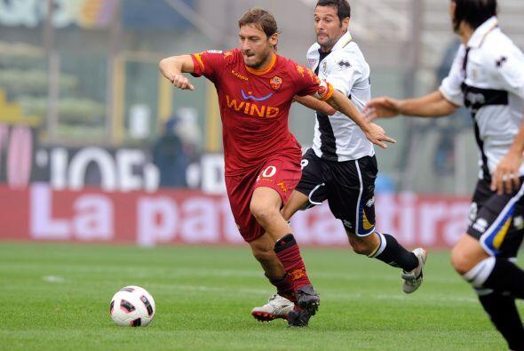Otro cuadro de renombre en el 'Calcio', la Roma, jugó ante Parma.