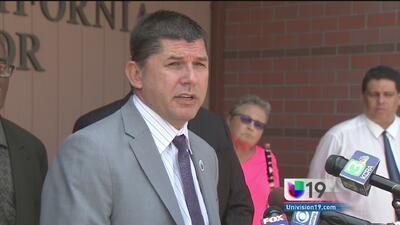 Alcalde de Stockton habló luego de su comparecencia en la corte